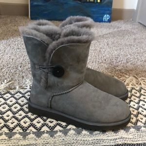 Ugg boots. Bailey buttons